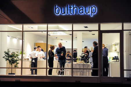 guests enjoying dinner at bulthaup Winchester