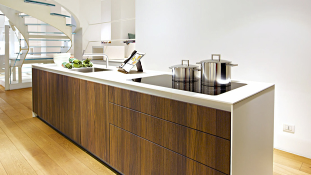 A bulthaup b1 kitchen with stainless steel work surface
